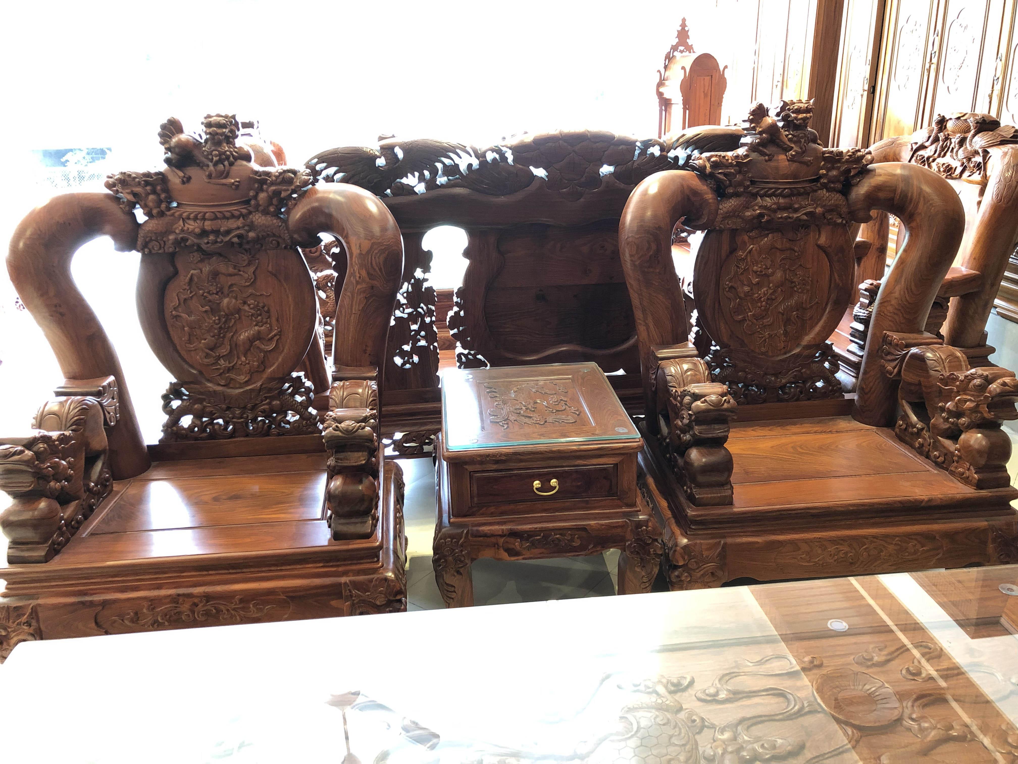 bàn ghế nghê đỉnh gỗ hương vân (6)