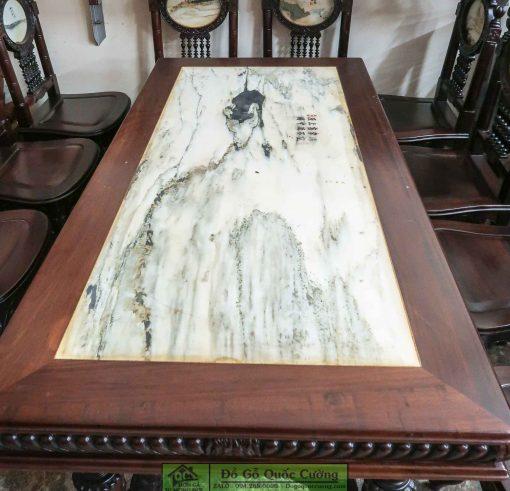 Hình ảnh chi tiết mặt bàn với tấm đá vân núi tự nhiên cao cấp