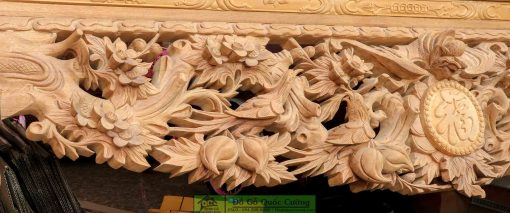 Hình ảnh chi tiết đục tay trên dạ bàn thờ